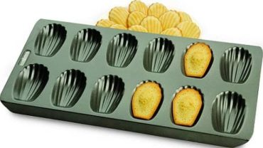 Chicago Metallic Professional Non-Stick Madeleine Pan