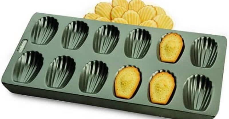 Chicago Metallic Professional Non-Stick Madeleine Pan