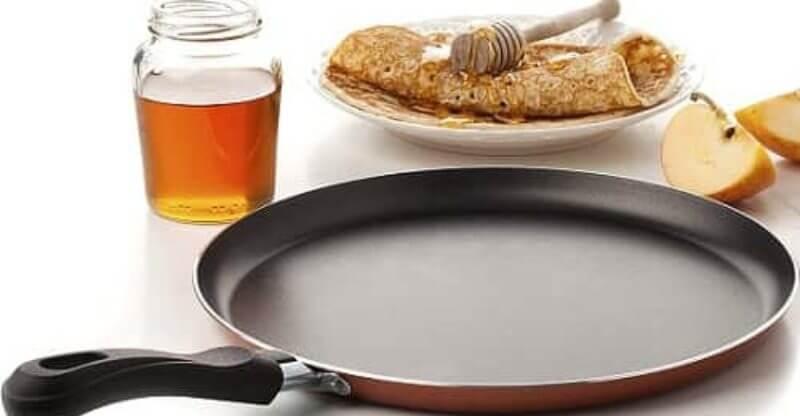 Large Crepe Pan 10 Inch Nonstick Coating and Bakelite Handle